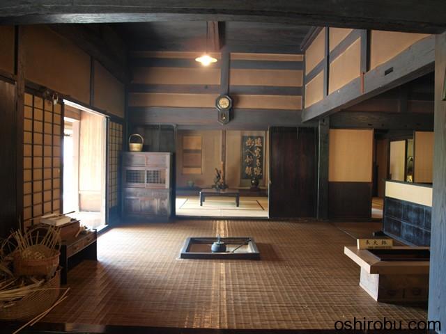 三宅邸の内部