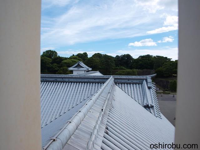 菱櫓から五十間長屋の屋根