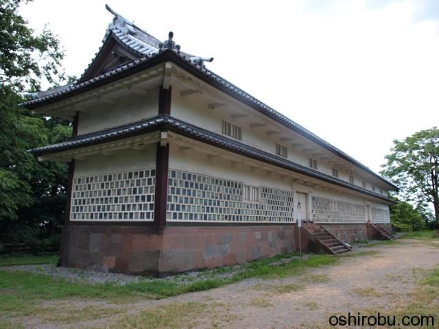 入母屋造りの南側