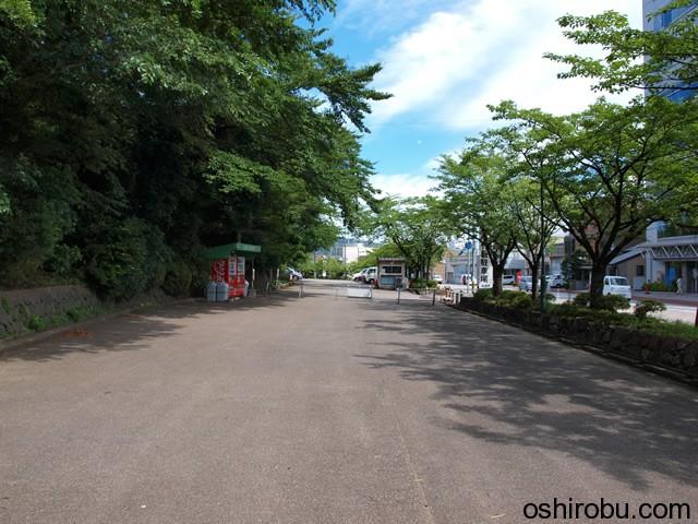 小竹藪駐車場