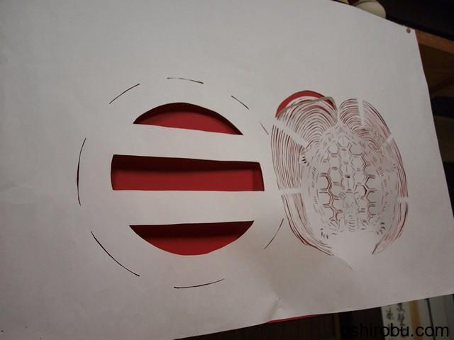 紙で細工された家紋