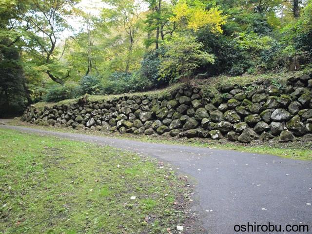 沢門付近の石垣