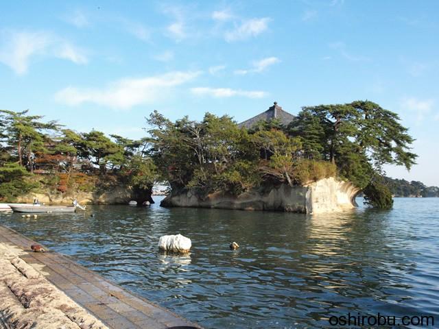 松島に浮く五大堂