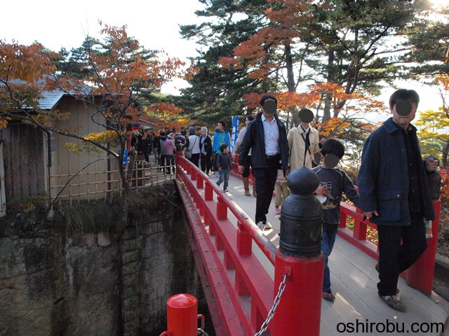 五大堂への橋