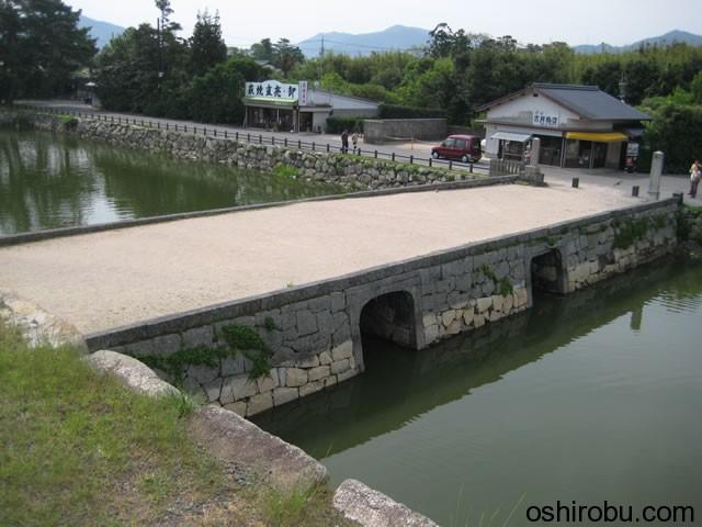 本丸と二の丸を繋ぐ橋