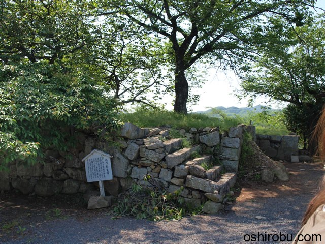 城内側からの表鉄門の石垣