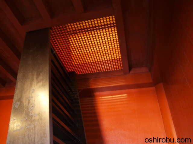 3階への階段