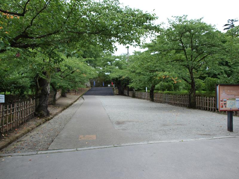 お城部ログ ~日本のお城を攻めるお城部のブログ~-会津若松城